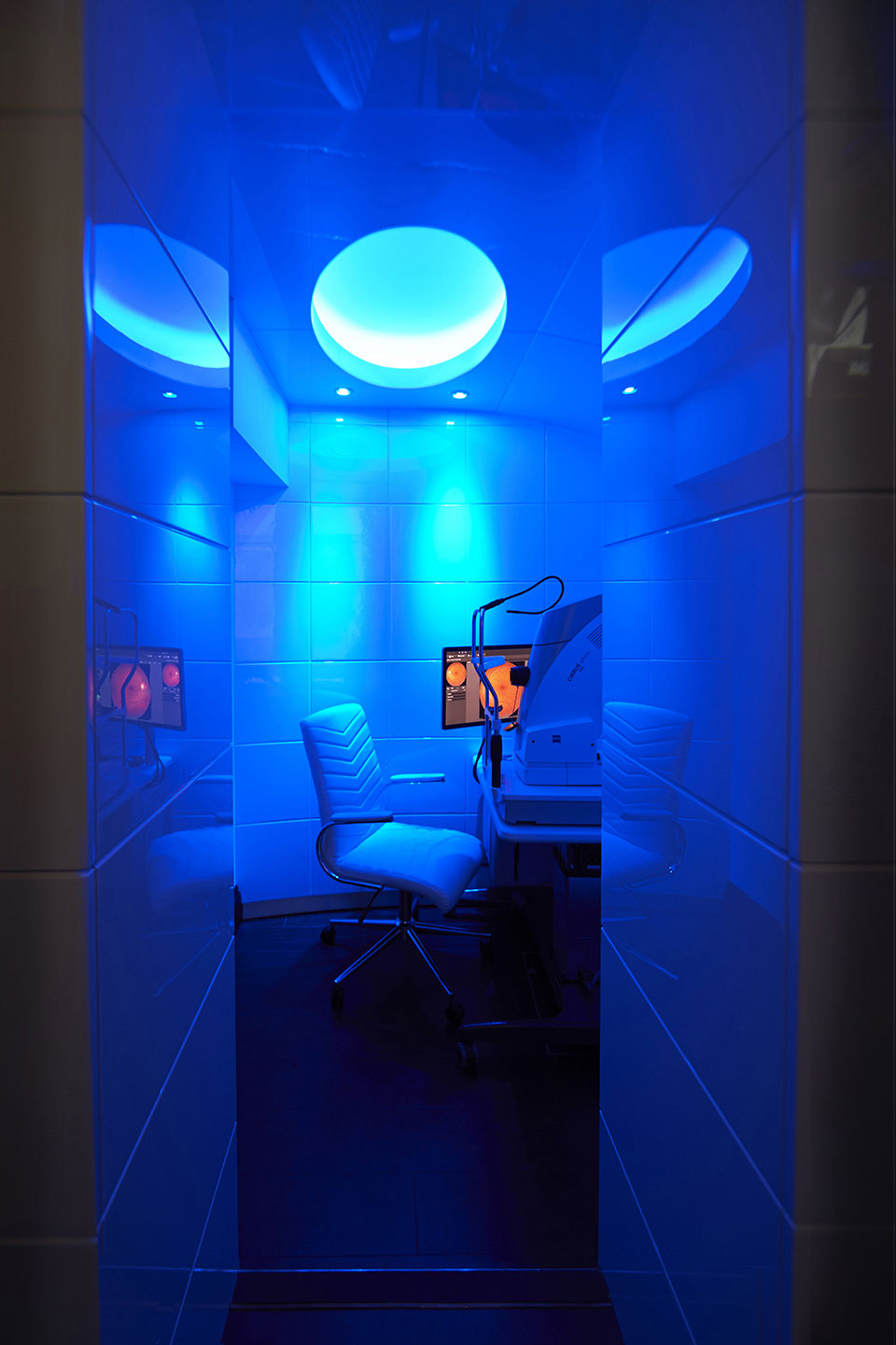 Tom Davies Vision Clinic in blue light