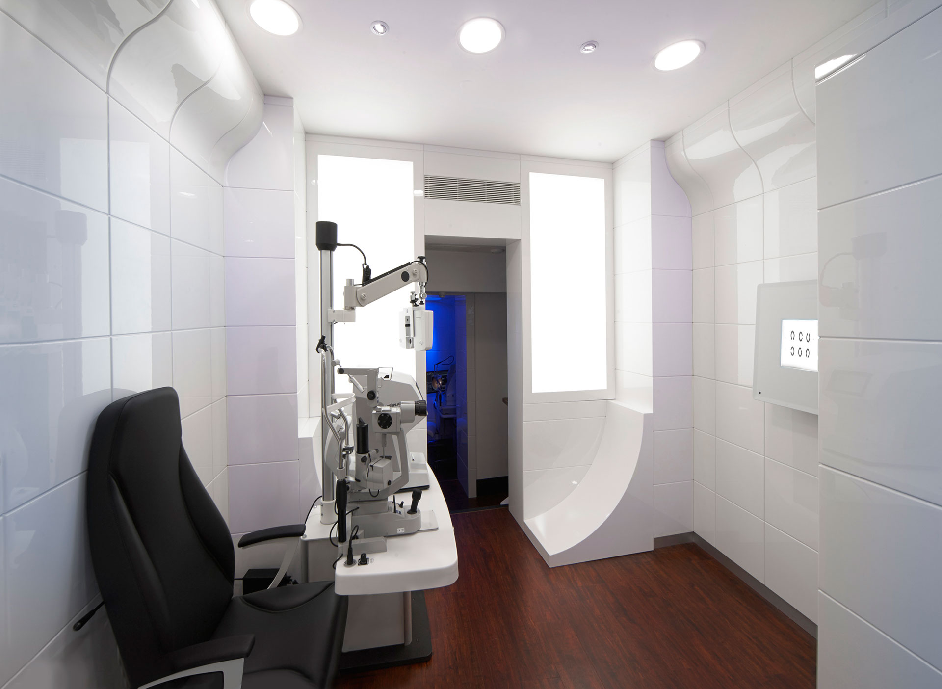 Tom Davies Vision Clinic in Knightsbridge